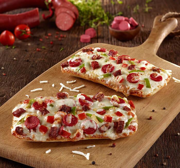 Sucuklu Ciabatta Pizza